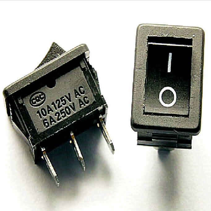 Rocker Switch: 3-Pin / SPDT / 10A